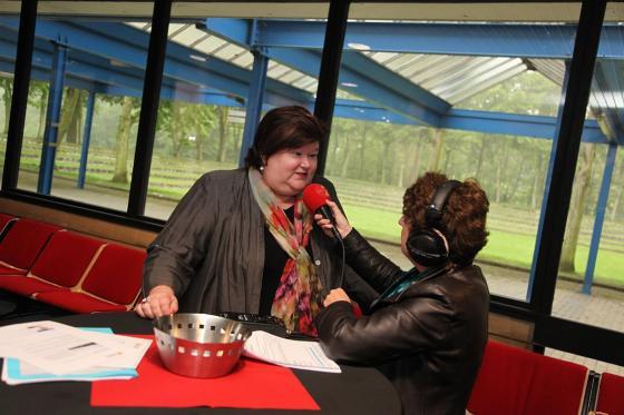 Maggie en Radio 2 A'pen