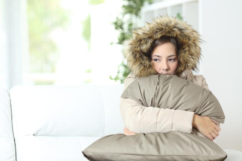 deze-dame-heeft-het-koud-shutterstock